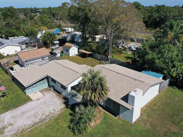 9425 Honeysuckle Drive, Micco, FL 32976 (MLS #240451) :: Billero & Billero Properties