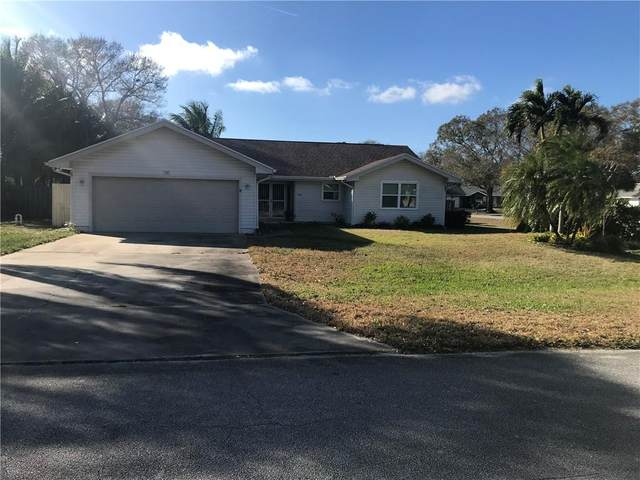 706 24th Square, Vero Beach, FL 32962 (MLS #240471) :: Billero & Billero Properties