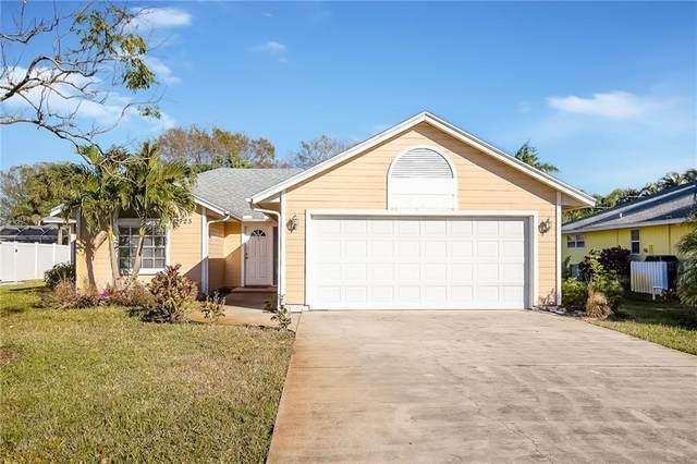 725 24th Square, Vero Beach, FL 32962 (MLS #240652) :: Billero & Billero Properties