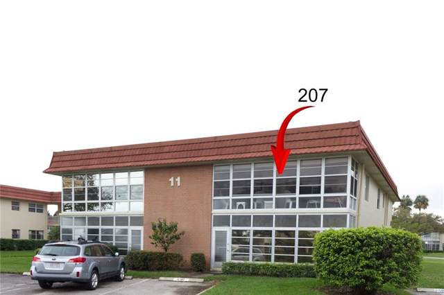 11 Vista Palm Lane #207, Vero Beach, FL 32962 (MLS #241156) :: Billero & Billero Properties