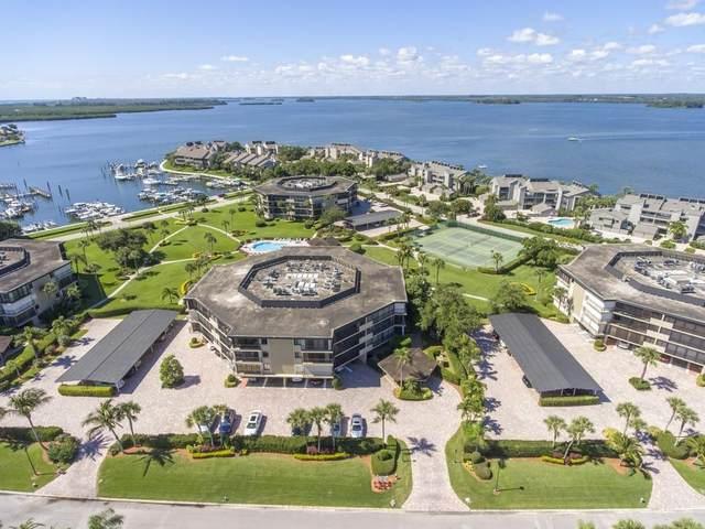 1821 Mooringline Drive Pha, Vero Beach, FL 32963 (MLS #241251) :: Billero & Billero Properties