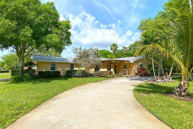 755 10th Court, Vero Beach, FL 32962 (MLS #242243) :: Team Provancher | Dale Sorensen Real Estate