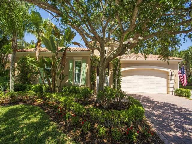 2110 N Maiden Lane, Vero Beach, FL 32963 (MLS #242410) :: Team Provancher | Dale Sorensen Real Estate