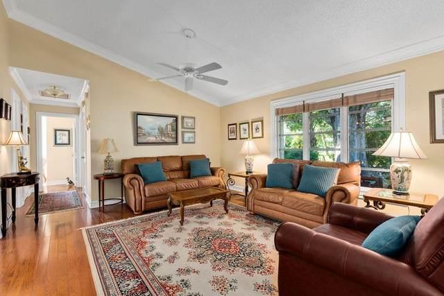 2302 Vero Beach Avenue, Vero Beach, FL 32960 (MLS #242703) :: Team Provancher | Dale Sorensen Real Estate