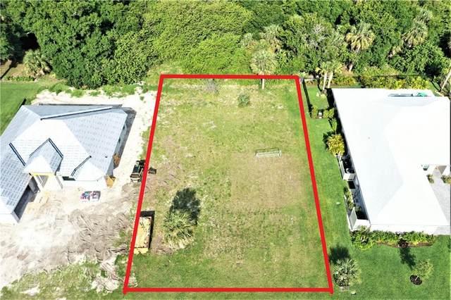 4005 Oak Hollow Avenue, Vero Beach, FL 32966 (MLS #243294) :: Team Provancher | Dale Sorensen Real Estate