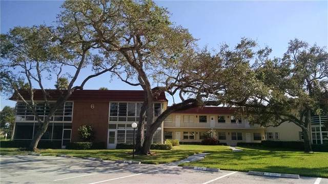 6 Vista Palm Lane #102, Vero Beach, FL 32962 (MLS #243569) :: Billero & Billero Properties