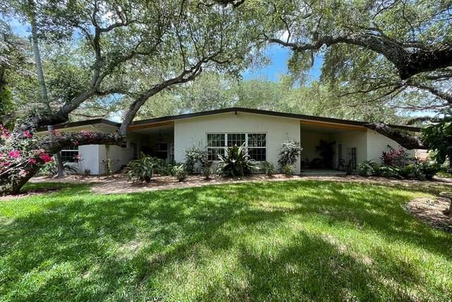 3915 Mockingbird Drive, Vero Beach, FL 32963 (MLS #244126) :: Dale Sorensen Real Estate