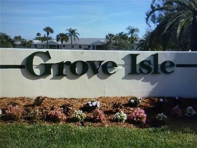 675 W Lake Jasmine Circle #106, Vero Beach, FL 32962 (#245245) :: The Reynolds Team | Compass