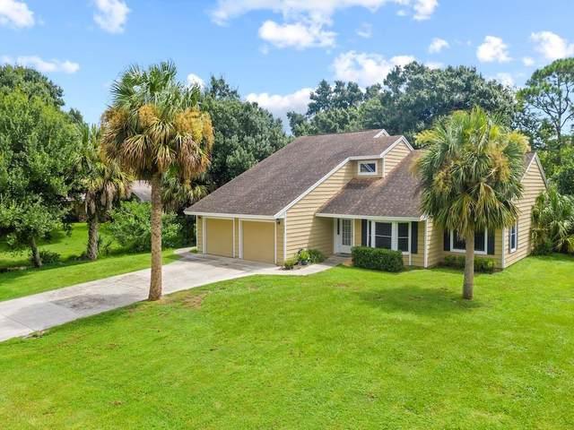 490 35th Court SW, Vero Beach, FL 32968 (MLS #246152) :: Dale Sorensen Real Estate