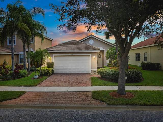 2014 Grey Falcon Circle SW, Vero Beach, FL 32962 (MLS #246265) :: Dale Sorensen Real Estate