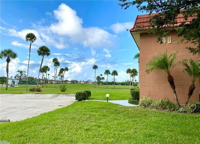 40 Woodland Drive #203, Vero Beach, FL 32962 (MLS #246600) :: Dale Sorensen Real Estate