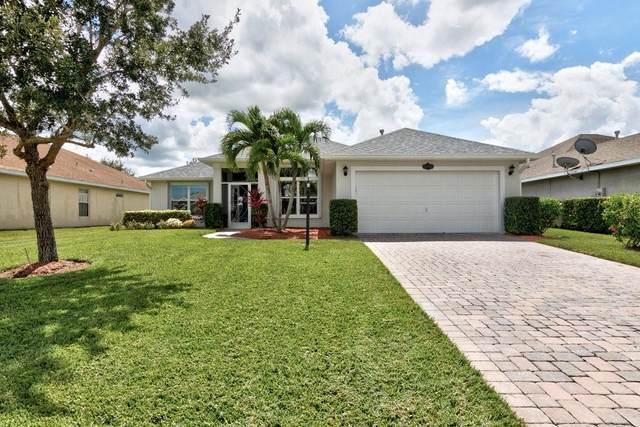 511 S Valencia Circle SW, Vero Beach, FL 32968 (MLS #246690) :: Kelly Fischer Team