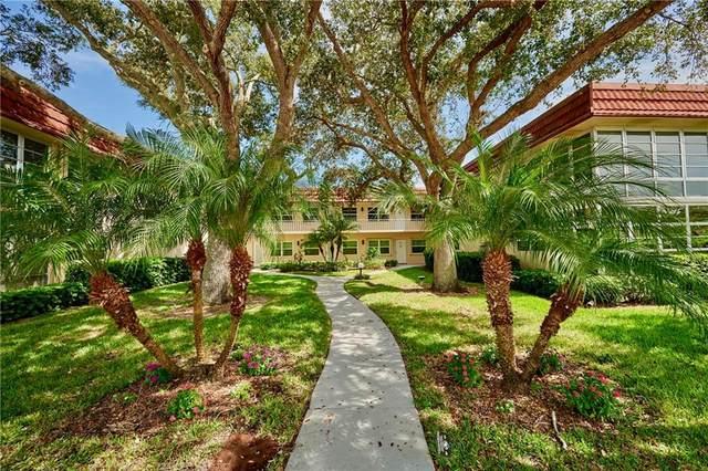 8 Vista Palm Lane #101, Vero Beach, FL 32962 (MLS #247181) :: Dale Sorensen Real Estate