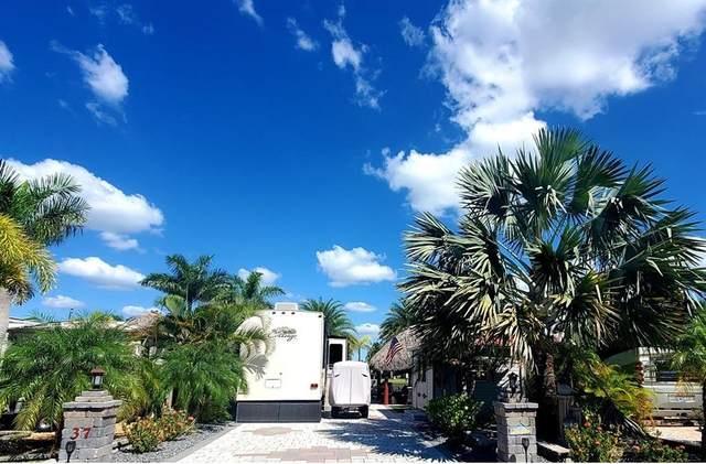609 SW 42 Nd Cove #37, Okeechobee, FL 34974 (MLS #247200) :: Dale Sorensen Real Estate