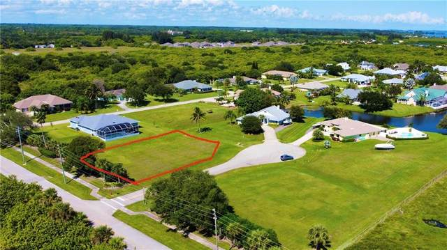 6904 28th Court, Vero Beach, FL 32967 (MLS #247280) :: Dale Sorensen Real Estate