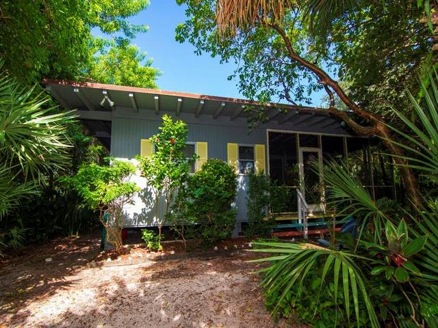 1840 E Shell Lane, Vero Beach, FL 32963 (#247344) :: The Reynolds Team | Compass