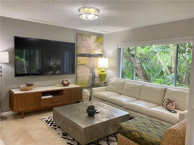 1335 Winding Oaks E. #1001, Vero Beach, FL 32963 (MLS #247354) :: Kelly Fischer Team