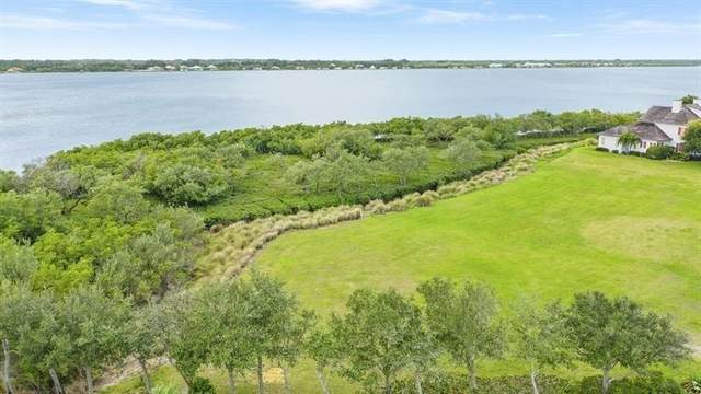 9205 W Marsh Island Drive, Vero Beach, FL 32963 (MLS #247400) :: Dale Sorensen Real Estate