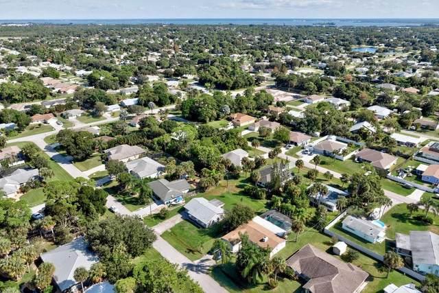 561 Jay Street, Sebastian, FL 32958 (MLS #247458) :: Kelly Fischer Team