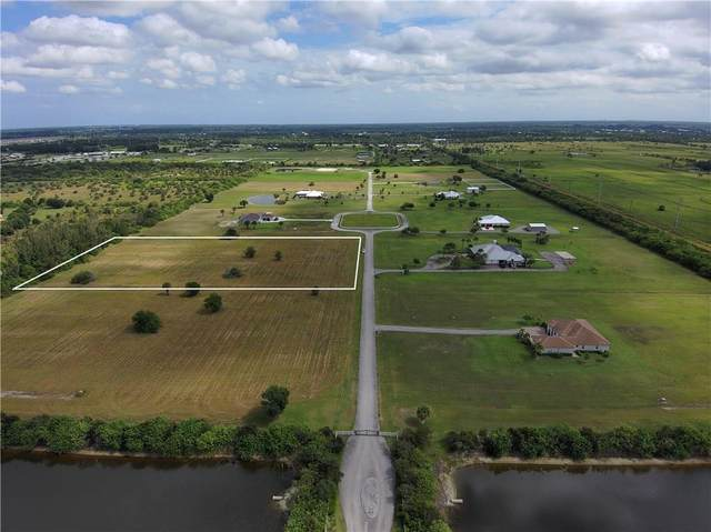 8130 White Fences Lane, Vero Beach, FL 32968 (MLS #247471) :: Kelly Fischer Team