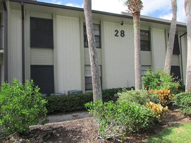 28 Plantation Drive #206, Vero Beach, FL 32966 (MLS #247546) :: Kelly Fischer Team