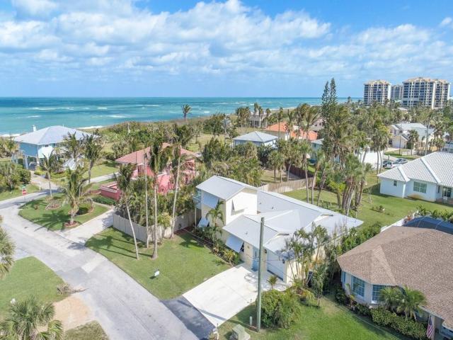 2073 Cypress Avenue, Fort Pierce, FL 34949 (MLS #203411) :: Billero & Billero Properties