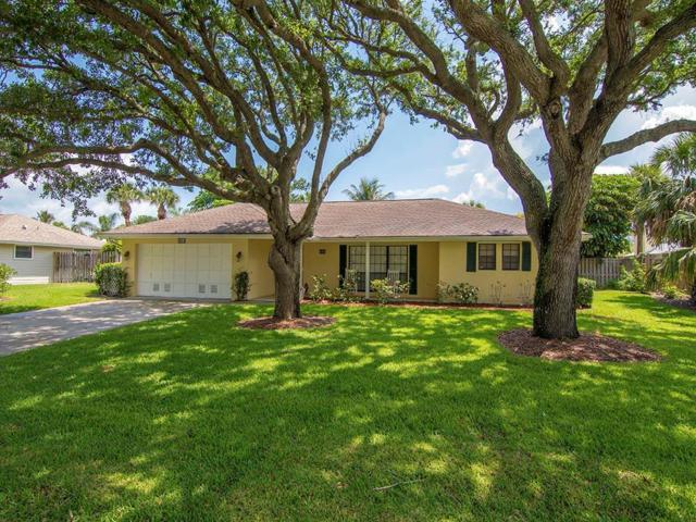 980 Clipper Road, Vero Beach, FL 32963 (#204143) :: The Reynolds Team/Treasure Coast Sotheby's International Realty