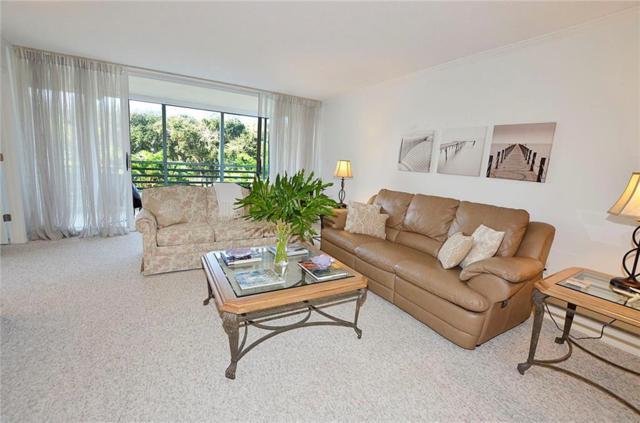 935 E Causeway Boulevard #206, Vero Beach, FL 32963 (MLS #210696) :: Billero & Billero Properties