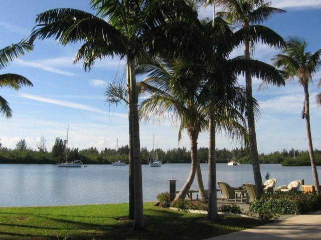 3927 Indian River Drive E, Vero Beach, FL 32963 (MLS #215900) :: Billero & Billero Properties