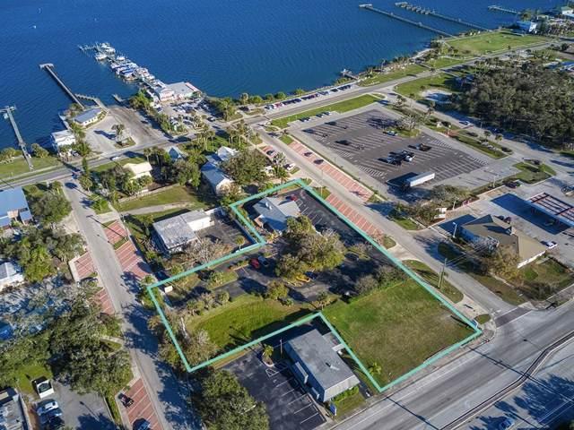 717 Coolidge St, Sebastian, FL 32958 (MLS #229554) :: Team Provancher | Dale Sorensen Real Estate