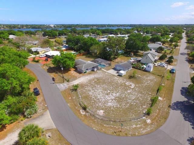 3713 Lakeview Drive, Micco, FL 32976 (MLS #231322) :: Billero & Billero Properties