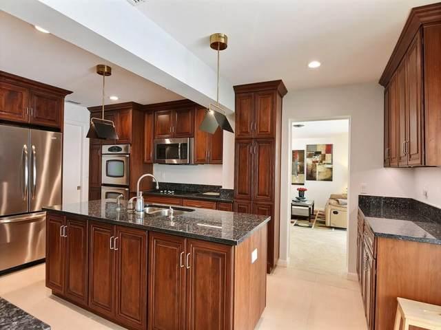 925 Pebble Lane, Vero Beach, FL 32963 (MLS #232151) :: Billero & Billero Properties