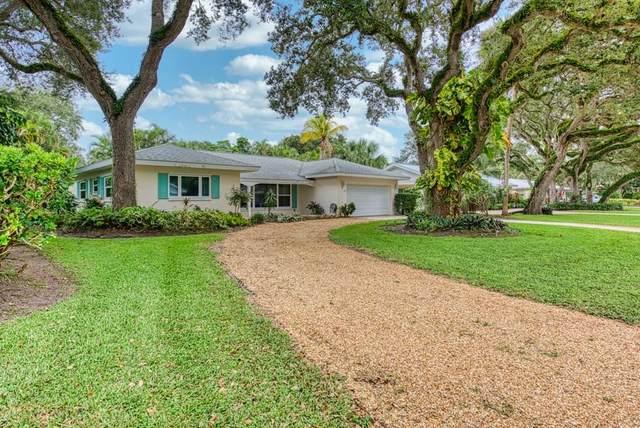625 Honeysuckle Lane, Vero Beach, FL 32963 (MLS #235581) :: Team Provancher | Dale Sorensen Real Estate