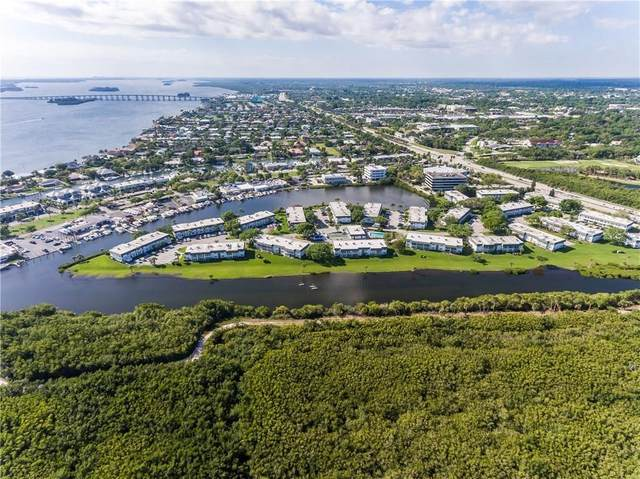 2800 Indian River Boulevard Q7, Vero Beach, FL 32960 (MLS #237628) :: Team Provancher | Dale Sorensen Real Estate