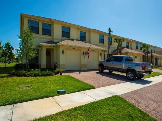 9858 E Villa Circle, Vero Beach, FL 32966 (MLS #243106) :: Team Provancher | Dale Sorensen Real Estate