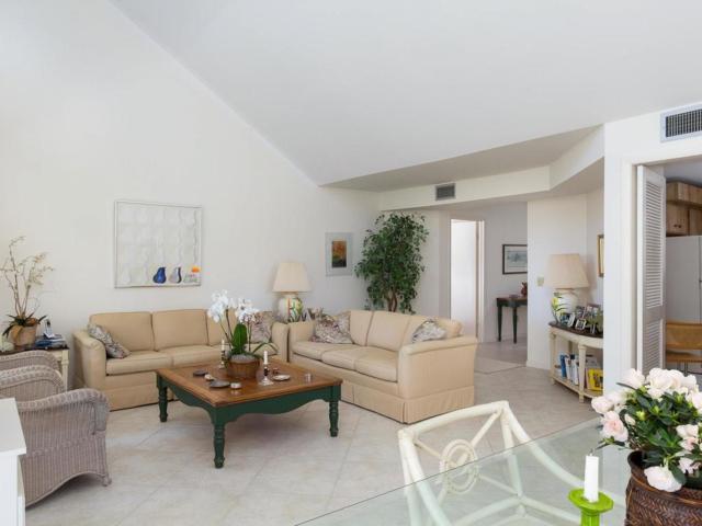 2165 Galleon Drive K-4, Vero Beach, FL 32963 (MLS #201919) :: Billero & Billero Properties