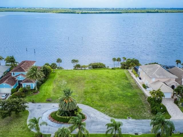 9518 Riverside Drive, Sebastian, FL 32958 (#242144) :: The Reynolds Team | Compass