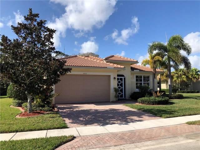 3223 Sussex Way, Vero Beach, FL 32966 (MLS #228875) :: Team Provancher | Dale Sorensen Real Estate
