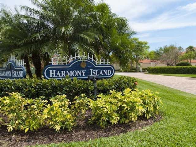 5040 Harmony Circle #305, Vero Beach, FL 32967 (#204712) :: The Reynolds Team/Treasure Coast Sotheby's International Realty