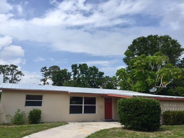 2464 1st Place, Vero Beach, FL 32962 (MLS #206442) :: Billero & Billero Properties