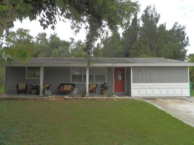 425 Englar Drive, Sebastian, FL 32958 (#206992) :: Atlantic Shores