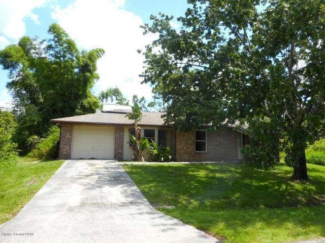 1081 Ivanhoe Street, Palm Bay, FL 32907 (MLS #207282) :: Billero & Billero Properties