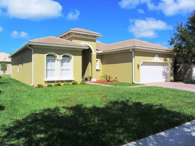 5825 Spanish River Road, Fort Pierce, FL 34951 (MLS #207407) :: Billero & Billero Properties