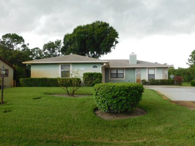 4685 47th Court, Vero Beach, FL 32967 (MLS #208169) :: Billero & Billero Properties