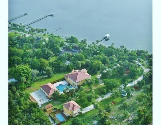 8053 S Indian River Drive, Fort Pierce, FL 34982 (MLS #210243) :: Billero & Billero Properties