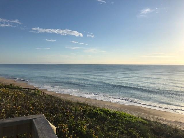 8050 Highway A1a, Tower 2 402B, Vero Beach, FL 32963 (#210931) :: The Reynolds Team/Treasure Coast Sotheby's International Realty