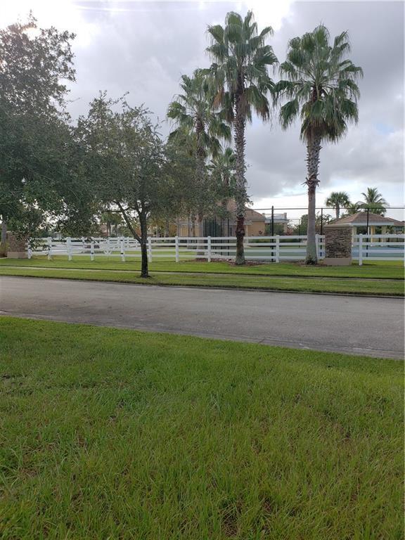 8300 Meredith Place, Vero Beach, FL 32968 (MLS #212113) :: Billero & Billero Properties