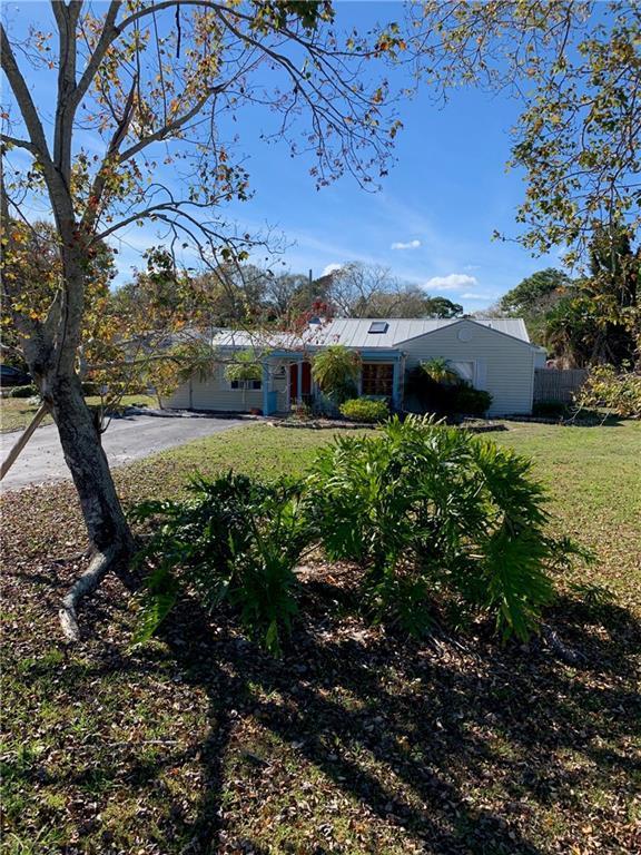 2551 Buena Vista Boulevard, Vero Beach, FL 32960 (MLS #215801) :: Billero & Billero Properties