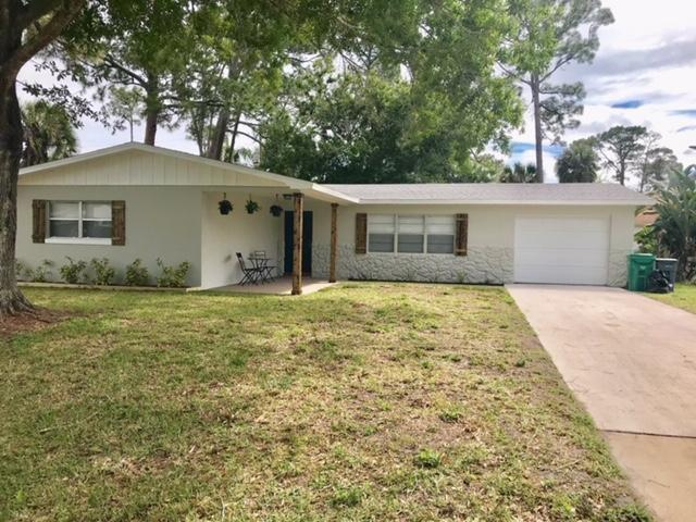 7903 Lockwood Drive, Fort Pierce, FL 34951 (MLS #219379) :: Billero & Billero Properties