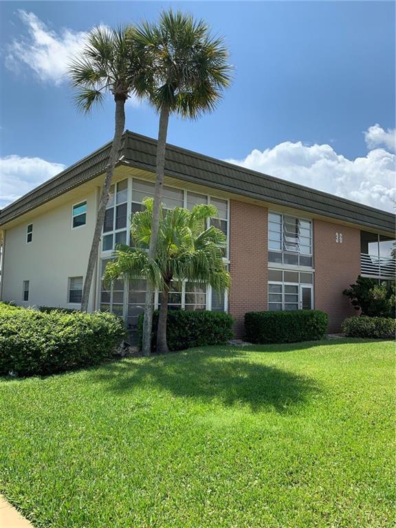 36 Vista Gardens Trail #105, Vero Beach, FL 32962 (MLS #219452) :: Billero & Billero Properties